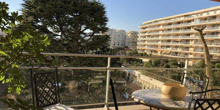 Alpes-Maritimes - CANNES 06400 - REF 11 1084 balcon 2